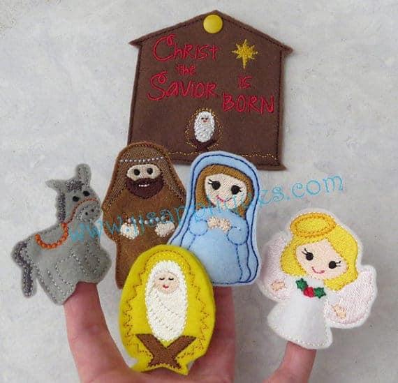 Felt Nativity scene advent calendar sewing pattern