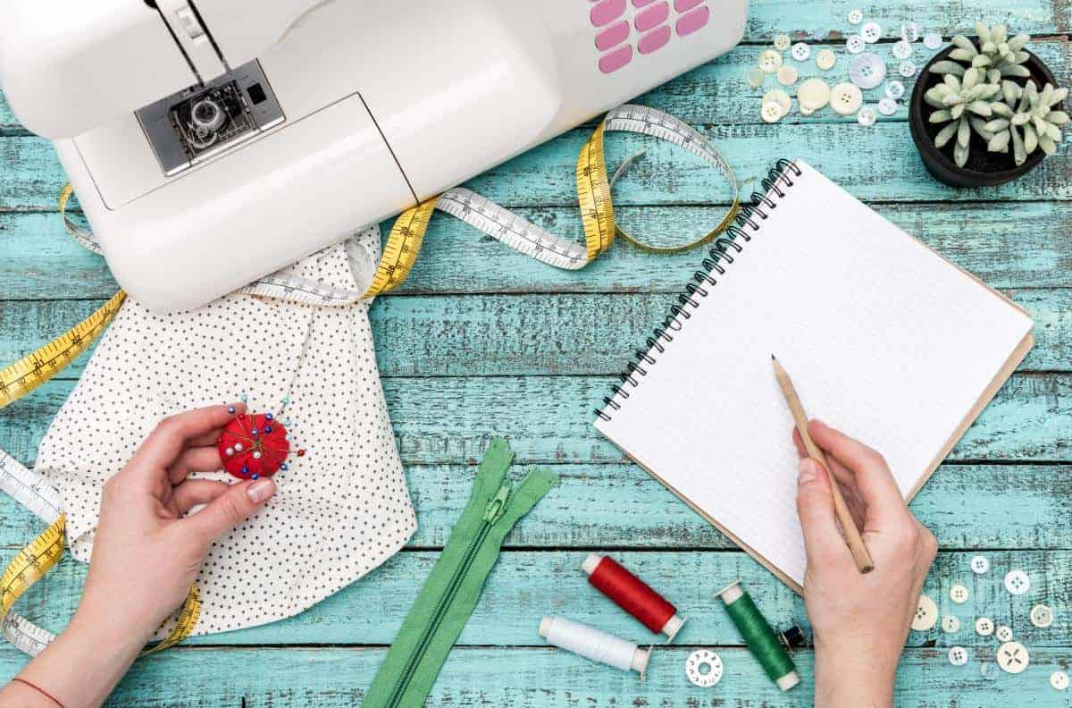 Organise your sewing with the best sewing planners, from bullet journals to hard cover journals, pdf printable templates to an online sewing database.