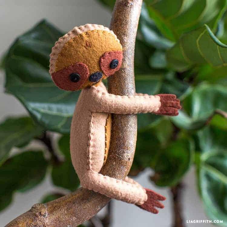Sloth_Felt_Stuffie_3