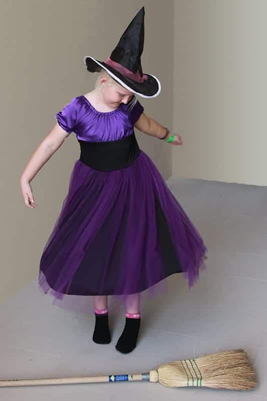 DIY witch costume for girl