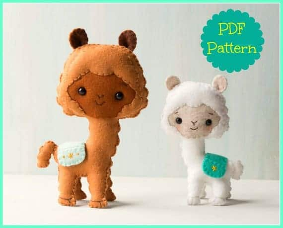 Cute felt llama sewing pattern from Noialand. It comes in two sizes and is available on Etsy.