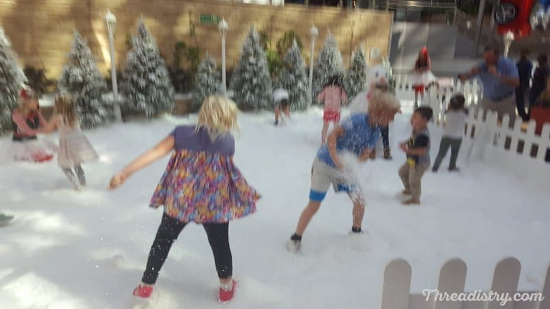 Snowball fight in the Nieuw tunic
