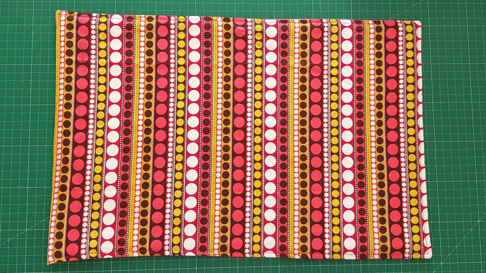 Finished placemat with top-stitching