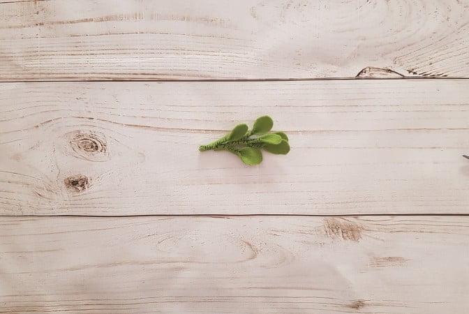 Leaves completed on the felt mistletoe